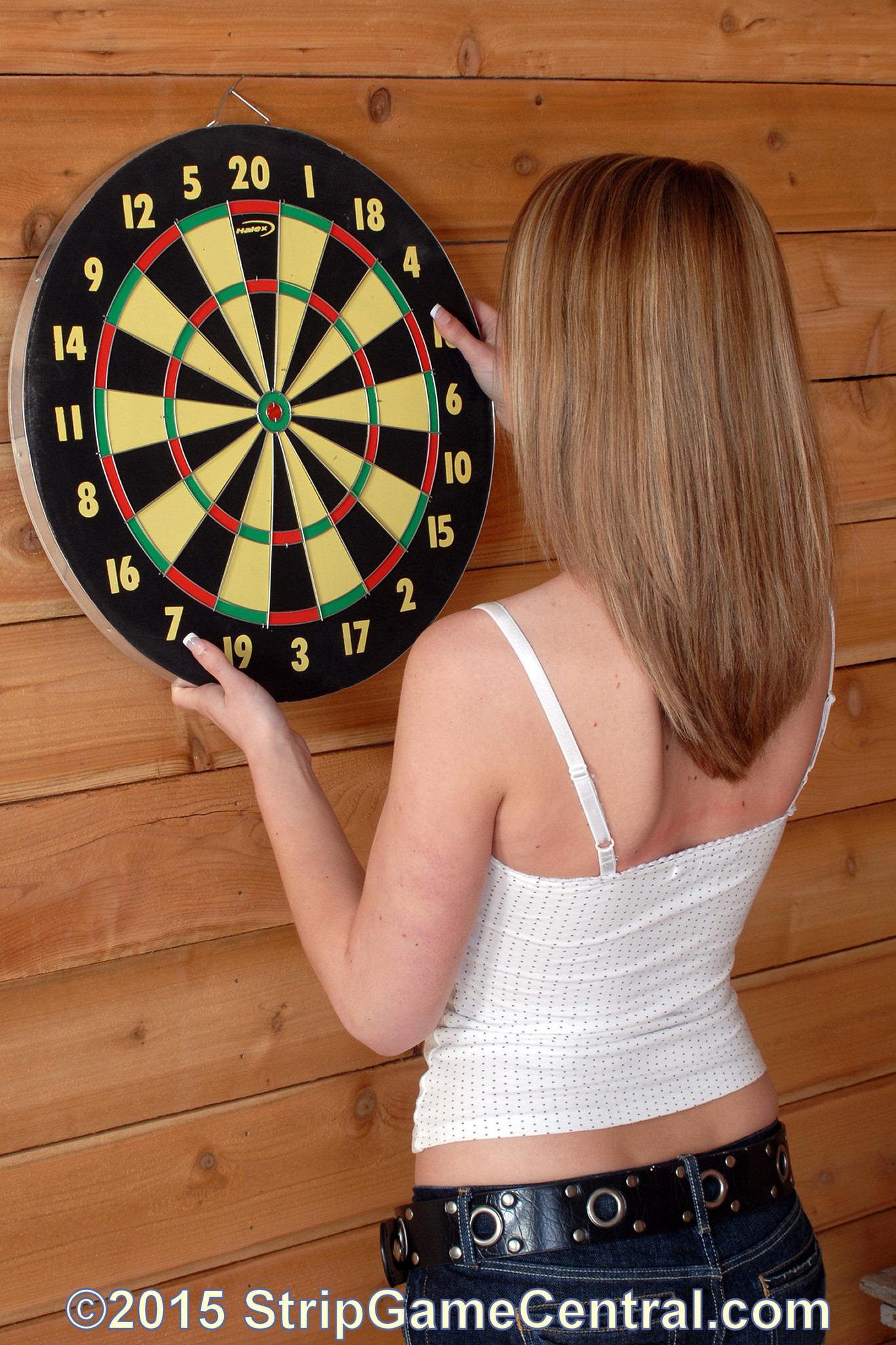 strip darts game
