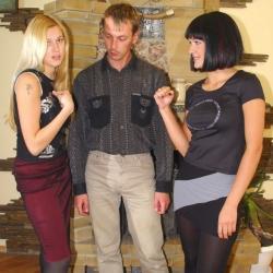 Rock-Paper-Scissors 19-11-2003(a)