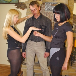 Rock-Paper-Scissors 19-11-2003(f)