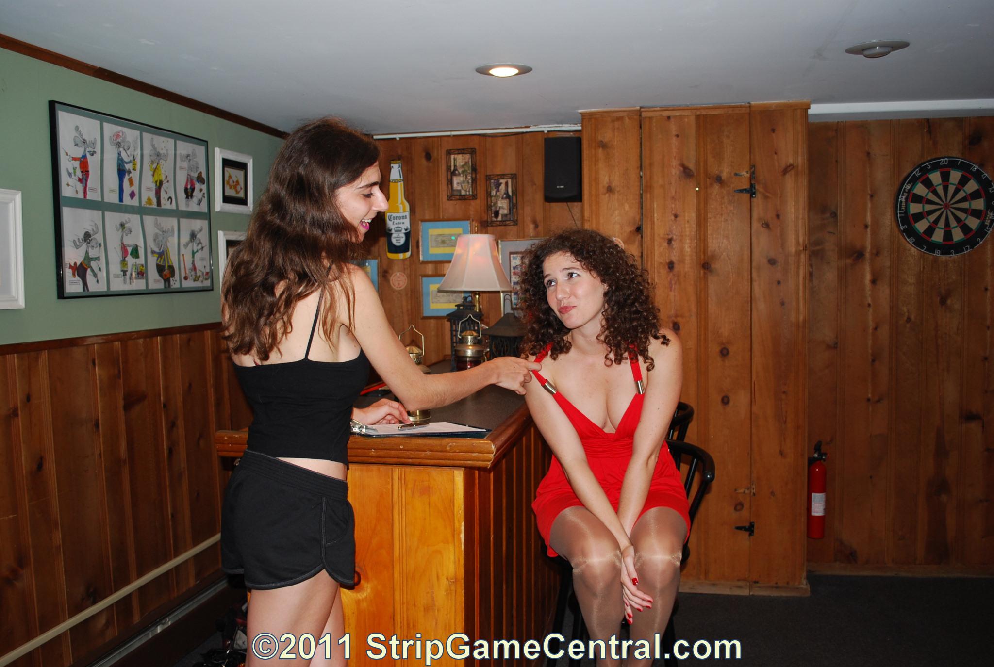 strip s e woman
