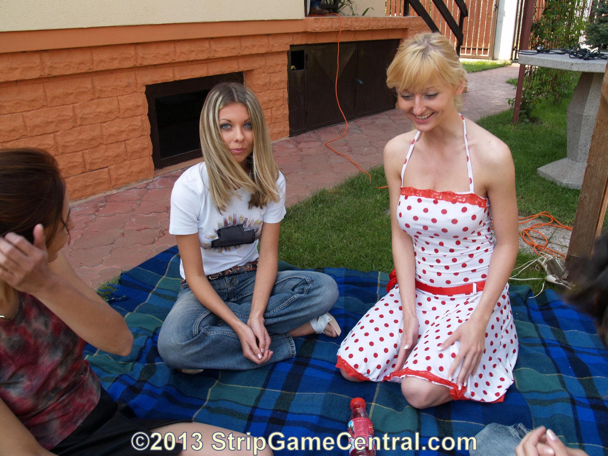 StripGameCentral:- Sabrielle