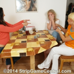 Strip Spin-the-Bottle 23-09-2014 (d)