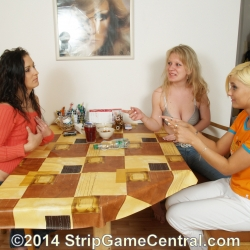 Strip Spin-the-Bottle 23-09-2014 (f)